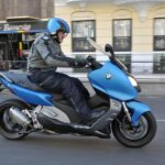 Las motos de más de 15 años no podrán circular en zonas de Barcelona si hay contaminación